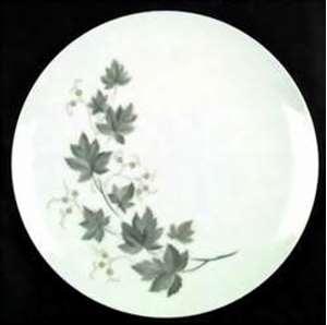Picture of Noritake - Wild Ivy  B102 - Dinner Plate