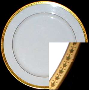 Picture of Latrille Brothers - CL1 ~ Gold Trim w/ Dots and Roses - Bread Plate