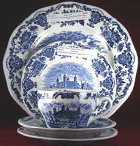 Picture of Wedgwood - Royal Homes of Britain ~ Blue - Covered Bowl