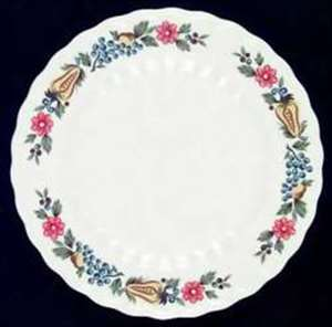 Picture of Knowles - Concord ~ Fruit & Floral - Bread Plate