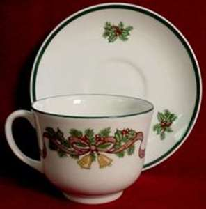 Picture of Johnson Brothers - Victorian Christmas - Cup and Saucer