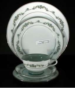 Picture of Noritake - Thea 6875 - Dinner Plate
