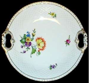 Picture of Bing and Grondahl - Saxon Flower (White) - Cake Plate