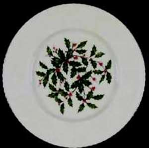 Picture of Lenox - Hollyberry Fluted - Dinner Plate