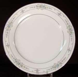 Picture of Noritake - Bellfleur 6105 - Dinner Plate