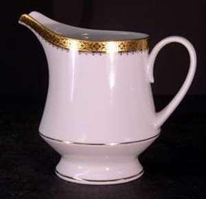 Picture of Noritake - Essex Gold 4322 - Creamer