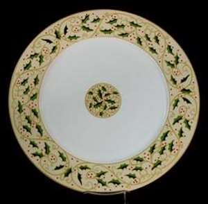 Picture of Gibson - Royal Holly - Dinner Plate