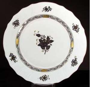 Picture of Herend - Chinese Bouquet~Black - Dinner Plate