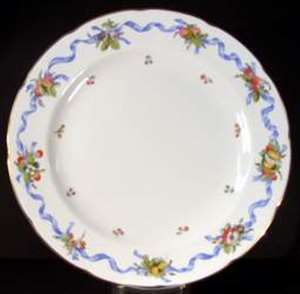Picture of Wedgwood - Williamsburg Ribbon - Salad Plate