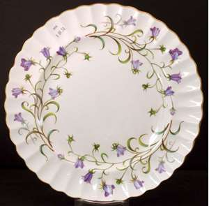 Picture of Spode - Canterbury Y8497 - Dinner Plate